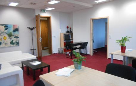 Pěkná malá kancelář o výměře 30,9m2 v 10NP